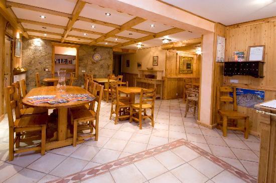 Hotel Alpis Cottia : la réception