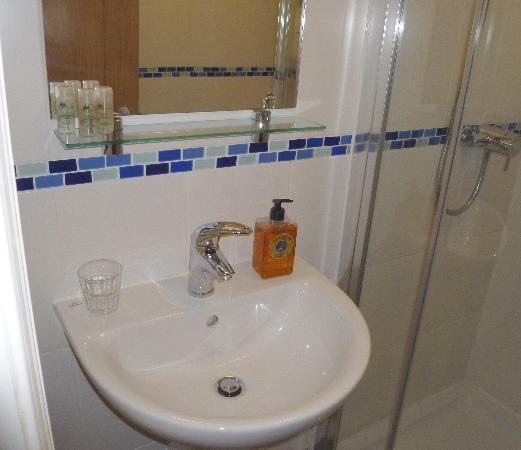 Whitburn Lodge: Bathroom Room 3