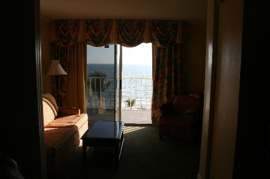 Sandpiper Gulf Resort: A simple view from the inside of our room