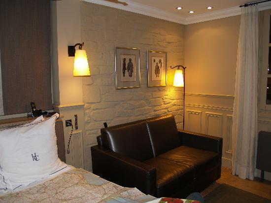 Hotel du Chateau : Bedroom