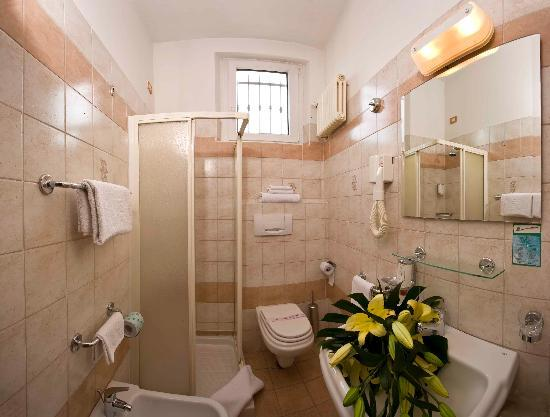 Hotel king rimini recenze a srovn n cen tripadvisor for Bagno 78 rimini