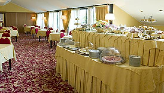 Best Western Hotel Mirage: Breakfast R
