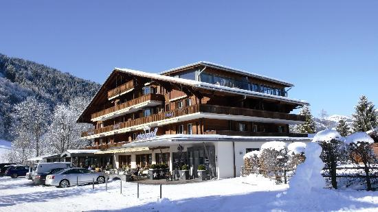 Hotel Arc-en-ciel: Hotel im Winter