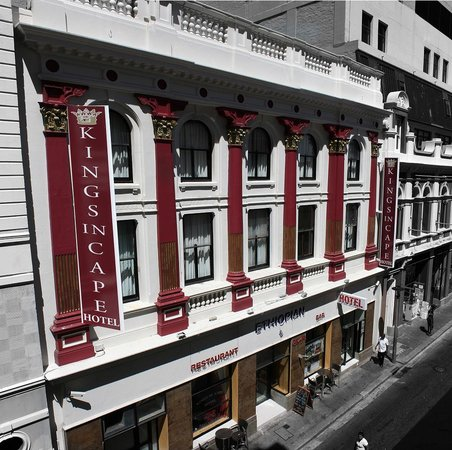 Kings in Cape Hotel: In the heart of Cape Town this beautiful building dating back to 1890 hosts the Kings in Cape Ho