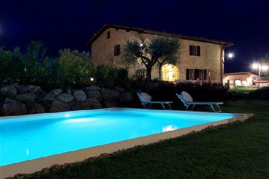 Aia Mattonata Relais: The pool