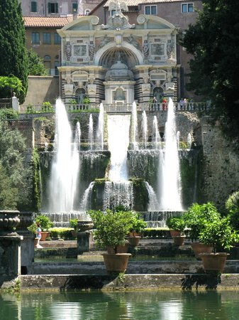 Italy Hotline Custom and Gourmet Tours: Tivoli Gardens