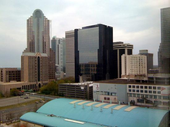 HYATT house Charlotte Center City: View from room facing Trade Street