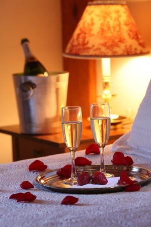 Seven Sea Street Inn: Champagne & Roses