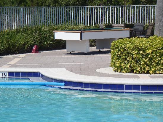 Sheraton PGA Vacation Resort Villas: outdoor pool table