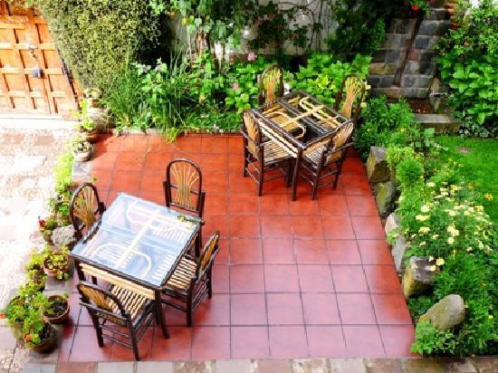 B&B-Hotel Pension Alemana: Garden terrace