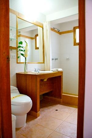 B&B-Hotel Pension Alemana: Bathroom 2