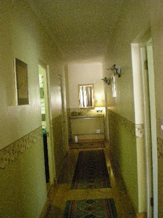Ons Genot Country Lodge: Hallway