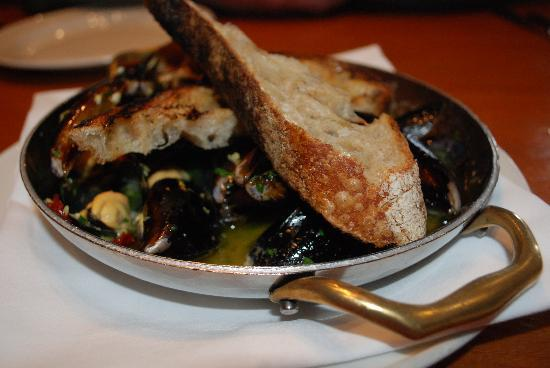 Wildwood Restaurant & Bar: mussels