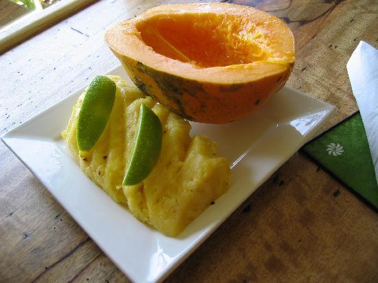 Zest Kitchen : フルーツが食べたい、というと特別に作ってくれました!