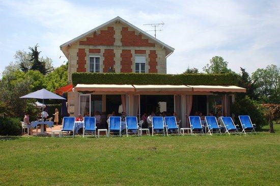 Saint-Christoly-Medoc, Frankrijk: La Maison du Douanier vue de l'Estuaire de la Gironde