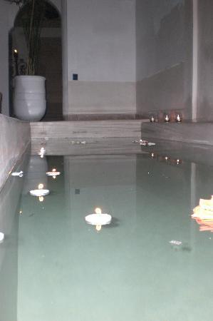 Riad les Orangers d'Alilia Marrakech: Un bassin pour se rafraîchir