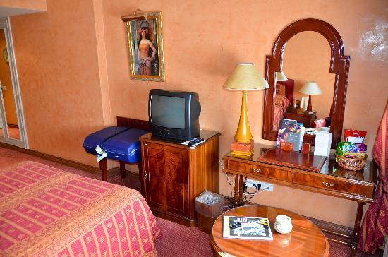 Hotel la Tour Hassan: room