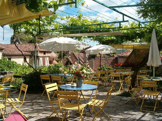 Saint-Cirq Lapopie, France : la terrasse