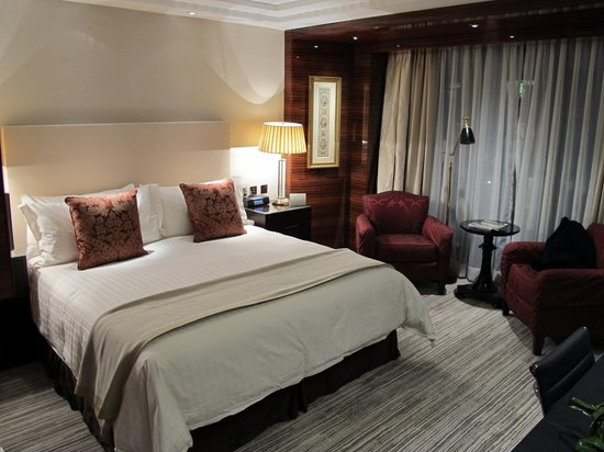 Four Seasons Hotel London at Park Lane: Premier Room 504