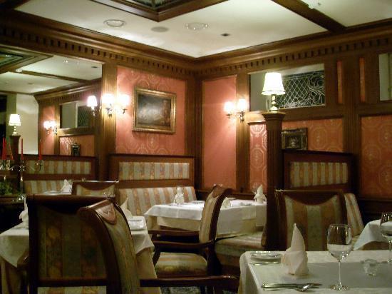 فاراس مانر هاوس: Dining room