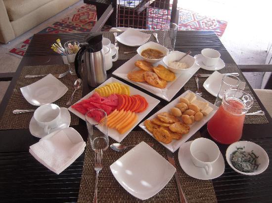Casa Claver Loft Boutique Hotel : Breakfast served in our loft
