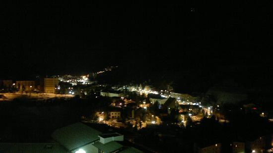 Club Med Les-Deux Alpes: 2 Alps by night