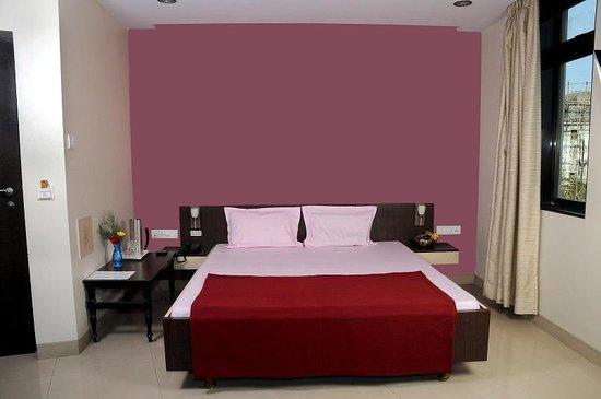 Pals Hotel