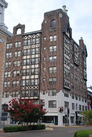 Old Irvin Cobb Hotel--Now an Apartment house