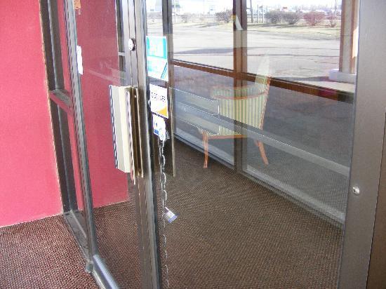 Guest Inn : Front Door Padlocked