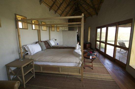 Tau Pan Camp - Kwando Safaris
