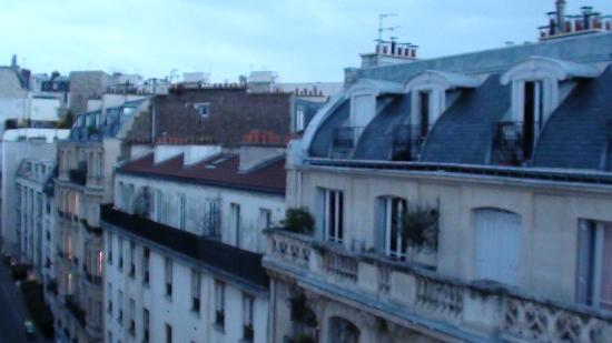 Hotel Delos Vaugirard Paris: View from the balcony