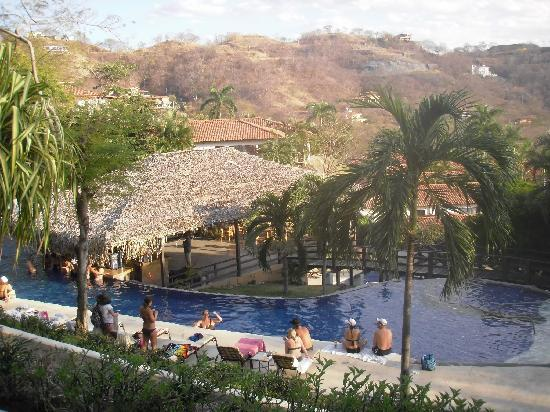 Villas Sol Hotel & Beach Resort: Main pool and pool bar