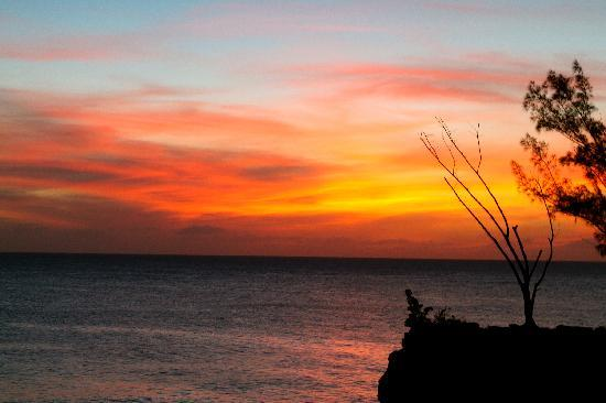 Villas Sur Mer: Sunset from our deck!