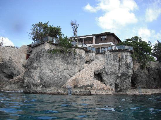 Villas Sur Mer: View of the house from the water