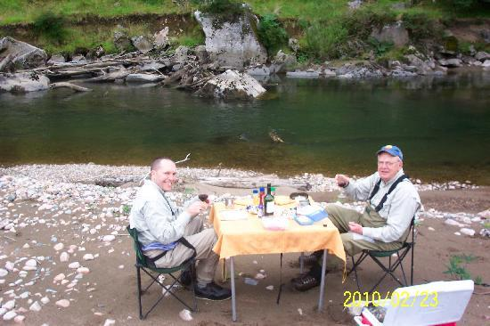 Coyhaique River Lodge: Roughing it on the river