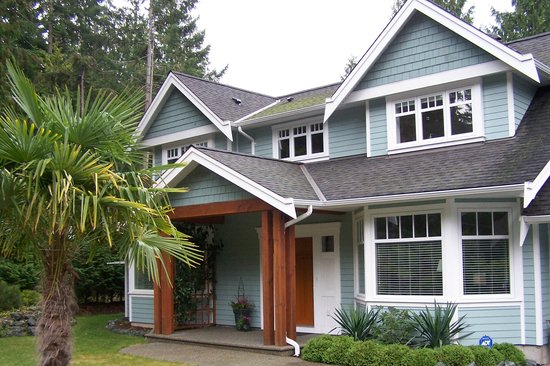 Cedar & Sea Bed and Breakfast : Welcome to you home away from Home!