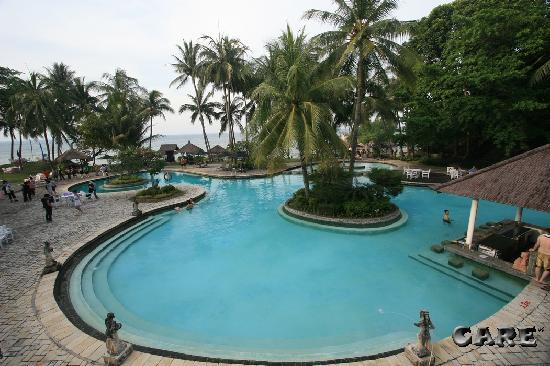 Turi Beach Resort: Nice pool (the older one)