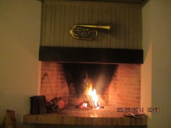 Barra Brava Casa de Mar: The wood burning fireplace