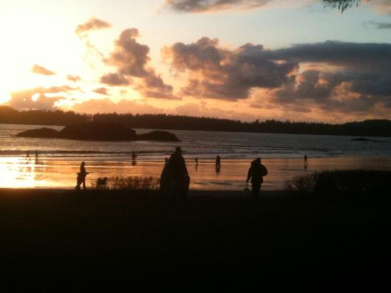 Ocean Village Beach Resort : Sunset looking from cabin