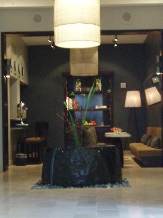 Hotel Renew : lobby