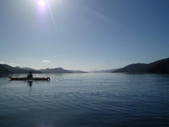 Anakiwa 401: Marlborough Sounds kayaing