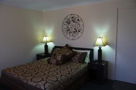 Merimbula Motor Lodge : Queen bed room