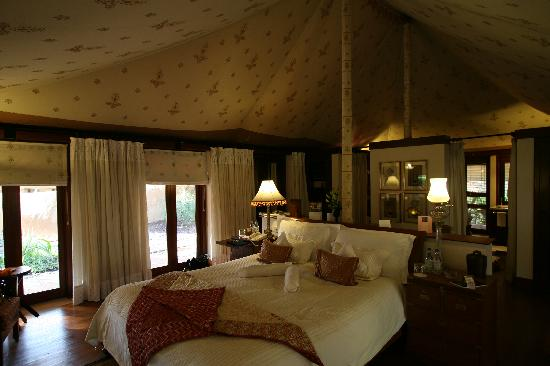 The Oberoi Rajvilas: the interior of the Tent at Rajvilas