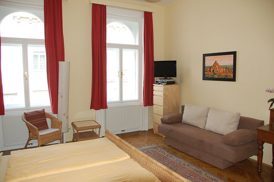 Stadtnest Bed & Breakfast and Apartment: B&B Doppelzimmer / B&B Double Room
