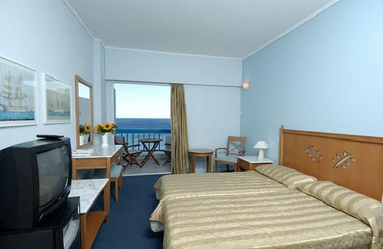 Tinos Beach Hotel: Superior room, All superior rooms have front sea view