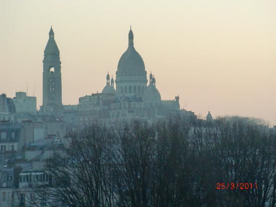 Mercure Paris Montmartre Sacre Coeur: View