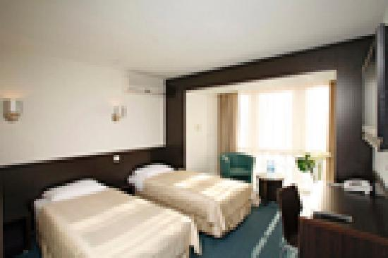 Tourist Hotel: директор