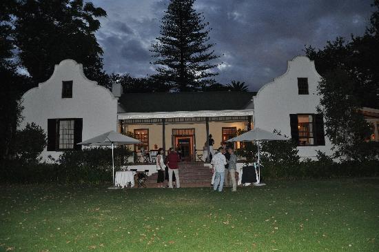 Constantia Uitsig Wine Estate: Apero im Garten