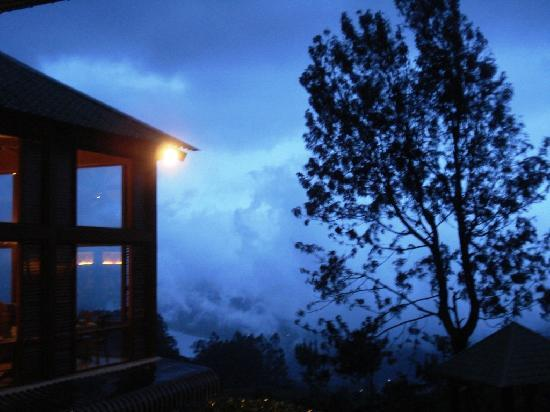 Club Mahindra Munnar: Clicked from our room...