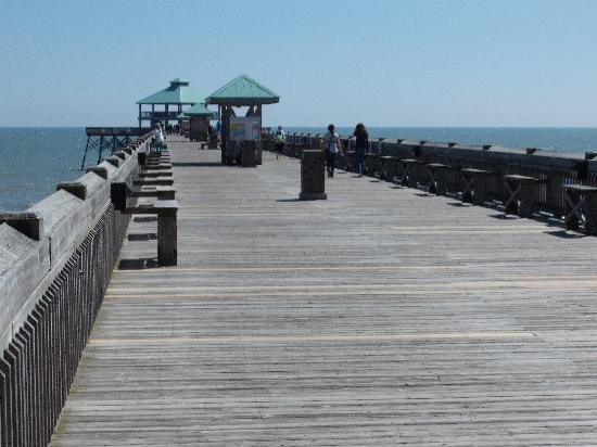 Suburban Extended Stay Airport: Folley Beach pier